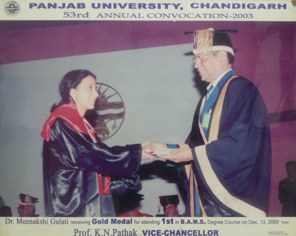 Dr. Chauhan receiving gold medal